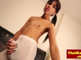 Teen skinny thai ladyman stretches butthole